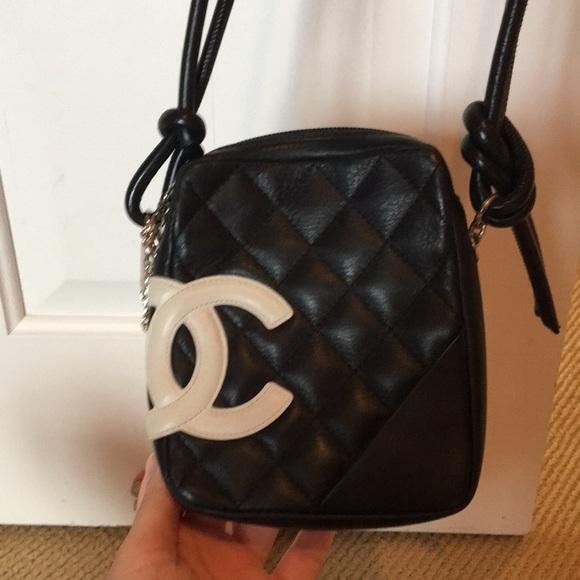 7e6146d5d2cdf CHANEL Handbags - SALE Chanel Quilted Crossbody EUC AUTHENTIC